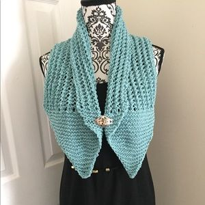 Accessories - NWOT SCARF HAND KNITTED